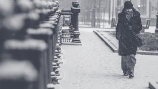 真冬なのに仕事の昼休みに薄着で外出するのはなぜか