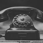 固定電話からは「0120」でOKなのに、携帯からは「0570」という表示をよく見かけるけど、どうして?